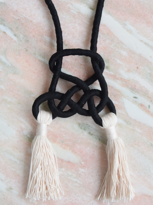 Sacred Knots Pyramid Knot