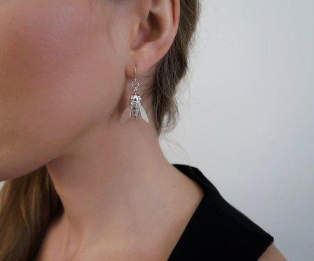 Invidiosa Jewelry Sculptural Bee Dangling Earrings - Silver