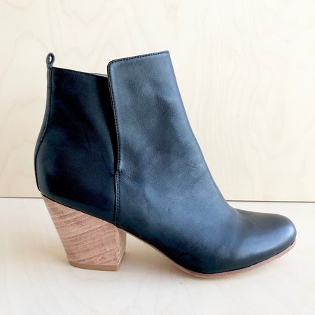 Fortress of Inca Ani Bootie - Black
