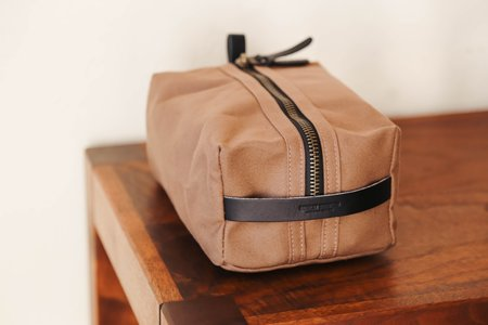 Bradley Mountain Dopp Kit - Tobacco/Black