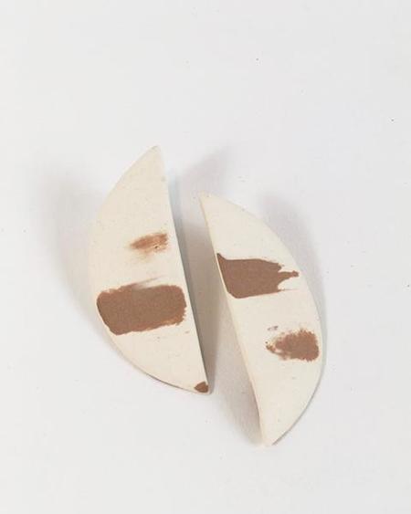 Four Eyes Ceramics Half Circle Earrings - Tan/White