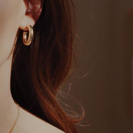 Laura Lombardi Medium Hoop Earring - Gold