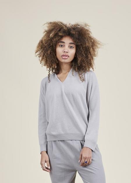 Evam Eva Seamless Cashmere Pullover - Greige