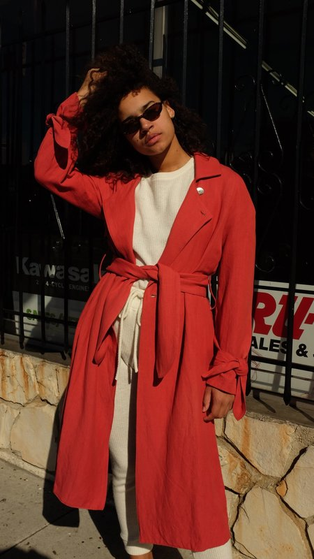 Stil. Tie Trench in Red