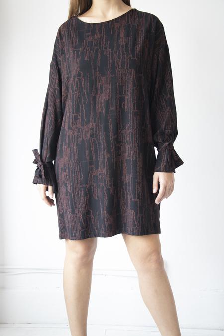 Eve Gravel Vetiver Dress - Maroon