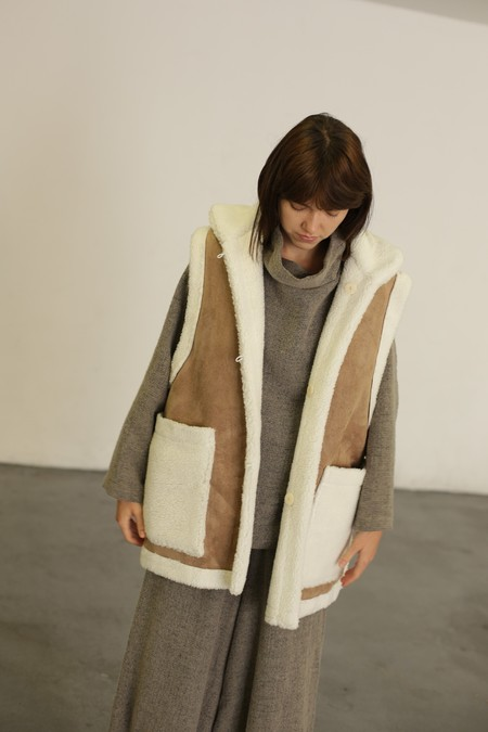 Mr. Larkin Jade Vest - Natural