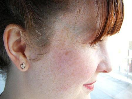 Micah Adams Tiny Maple Stud Earrings - Silver