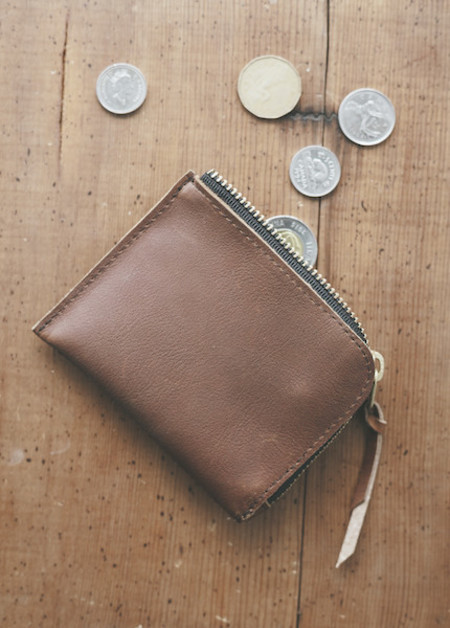 Me & Arrow - Zipper Wallet in Brown