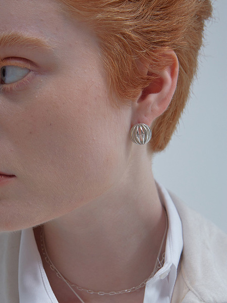 090FACTORY 3/4 Globe Earring - Silver