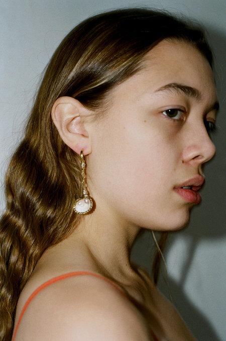 WALD Drop It Like It's Hot Shell Earring