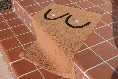 Cold Picnic Boob Bathmat - Brown