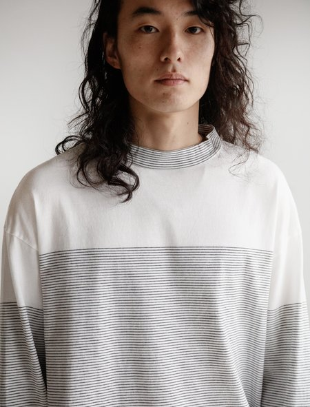 Phingerin Shadow Tee Crew - White