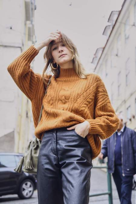Yuka Paris Flora Chunky Cable Knit - Toffee