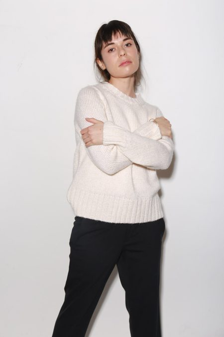 ARCH THE Knit Sweater - Cream