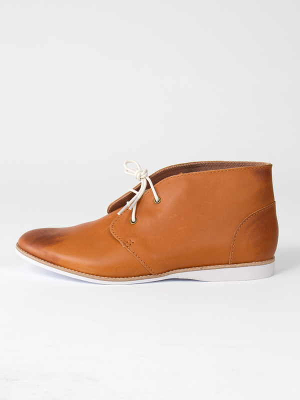 The Chukka - Cognac Distressed Leather