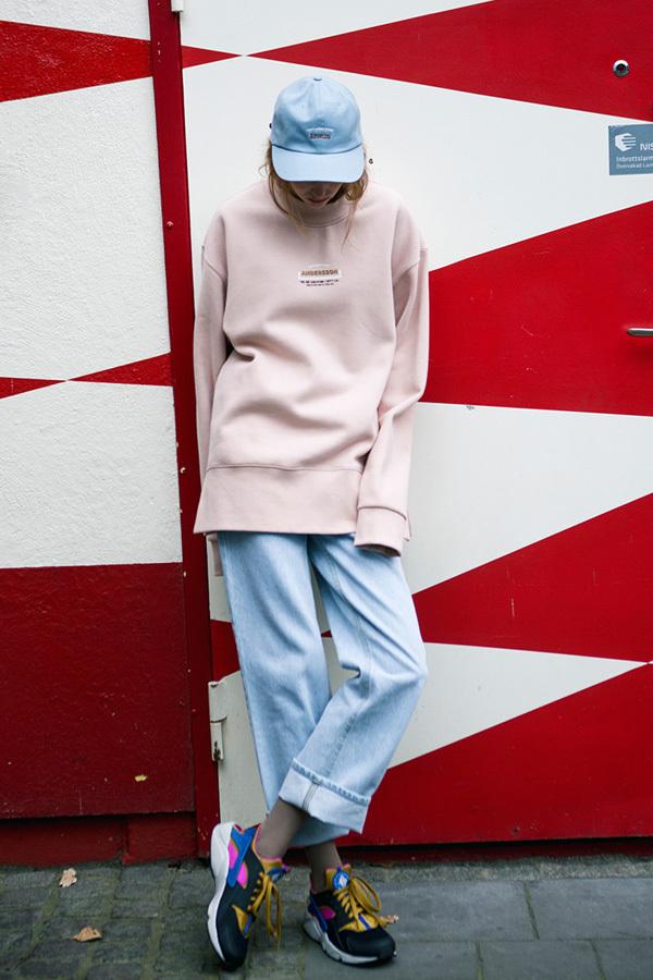 ANDERSSON BELL Unisex Time Sweatshirt- Pink