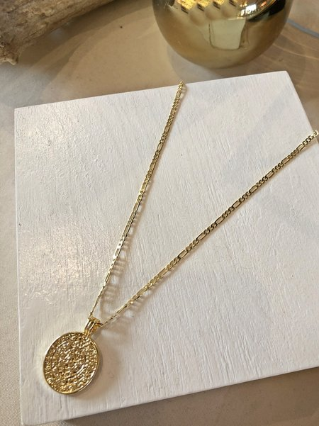Charme Silkiner Medallion Necklace - GOLD