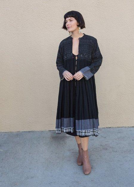 Injiri Long Embroidered Cotton Jacket - Black