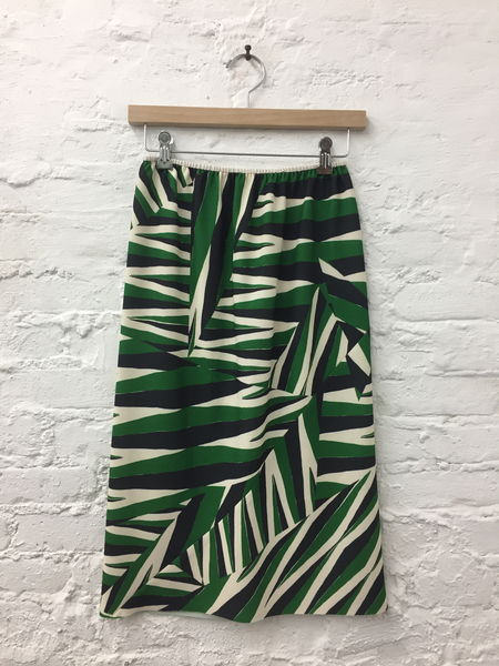 A Détacher Singrid Skirt in Green Multi Arrows Print