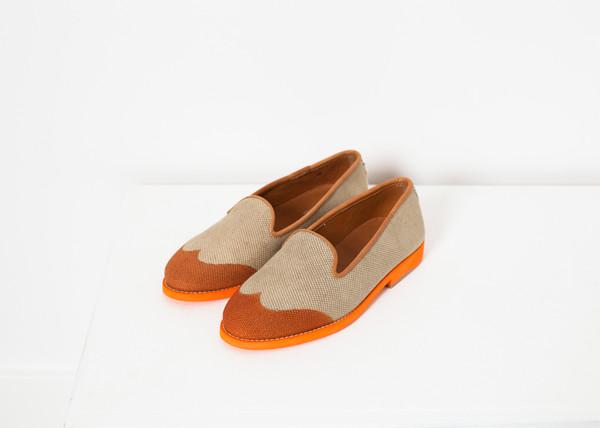 Verba Wingtip Loafer in Orange