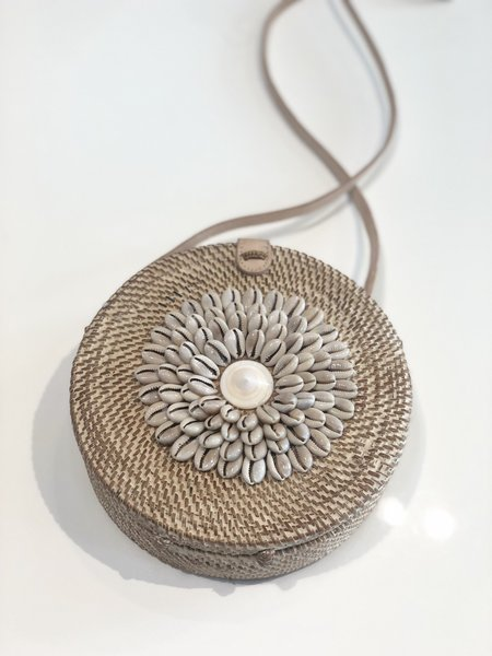 frankie. Shell Bag