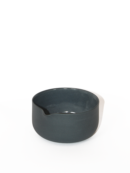 LILITH ROCKETT CERAMICS Porcelain Matcha Bowl with Spout - Dark Gray