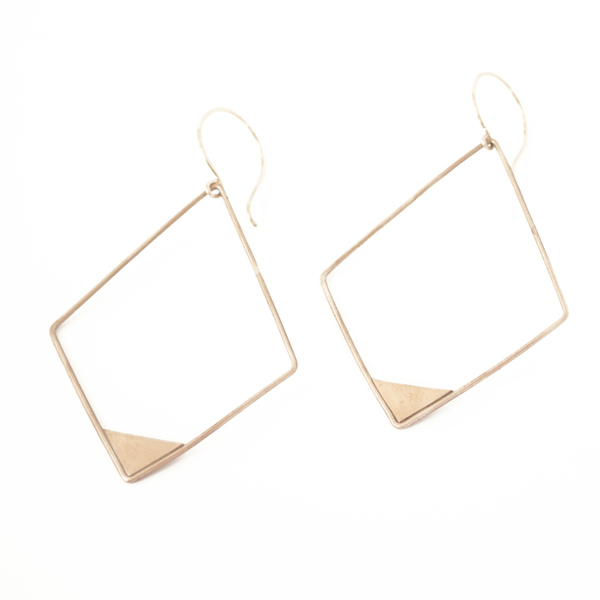 Favor Apex Earrings
