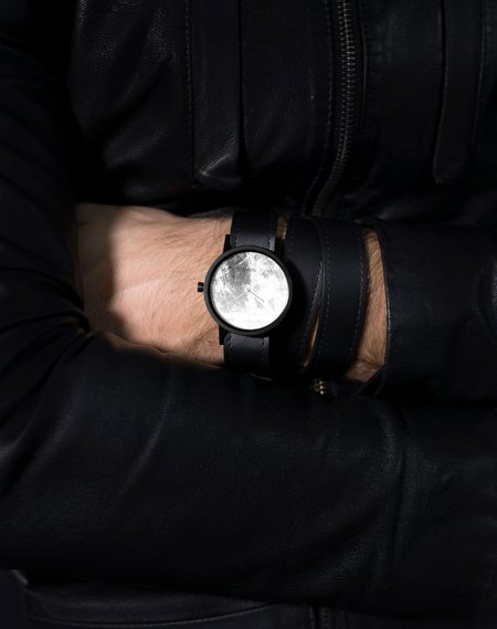 Unisex South Lane Avant Diffuse Invert Watch - Triple Black