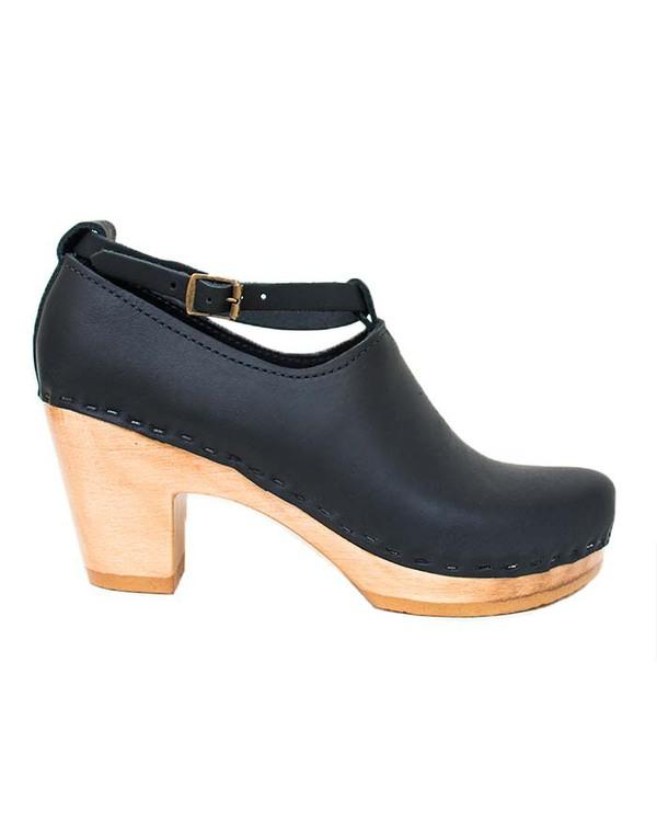 No. 6 Classic High Heel Shoe in Black