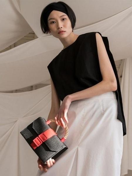 COMME.R Woven Bag