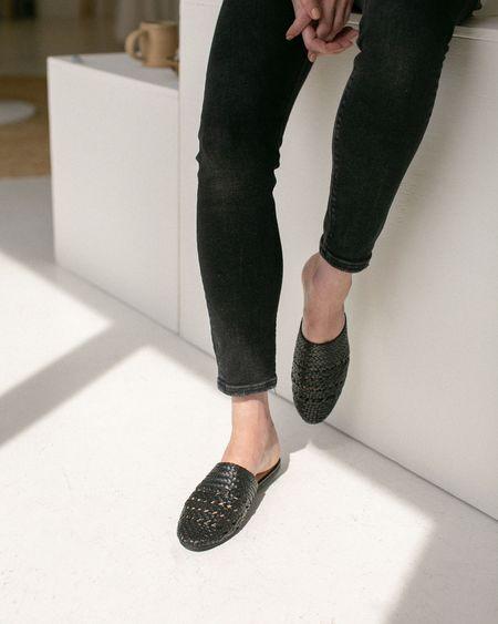 Salt + Umber Lily Slides - Black