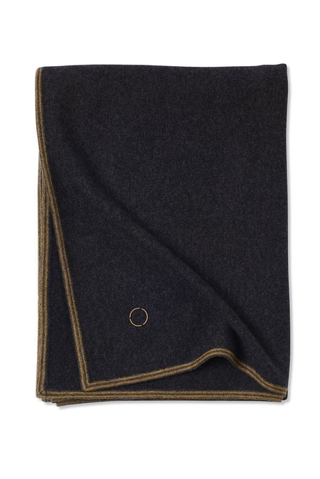 Oyuna Toscani Versatile Framed Cashmere Throw - Charcoal
