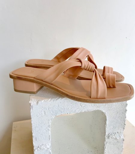 LOQ Pau Leather Sandal - NUDE