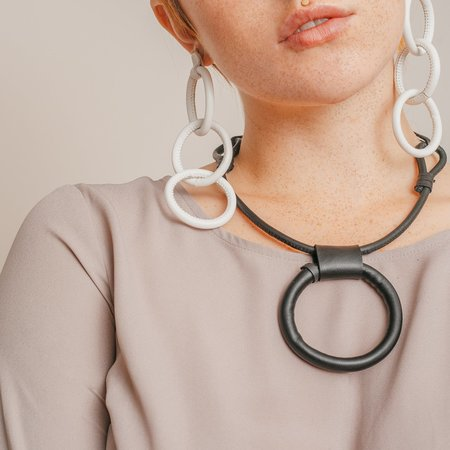 Adder Jewelry Leather Circle Necklace w/ Adjustable Length - BLACK