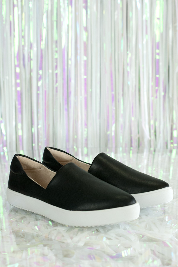 Vis-À-Vis Cami Sneaker