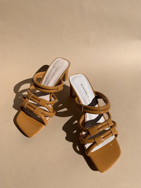 Intentionally Blank Willow II Sandal - Tan Patent