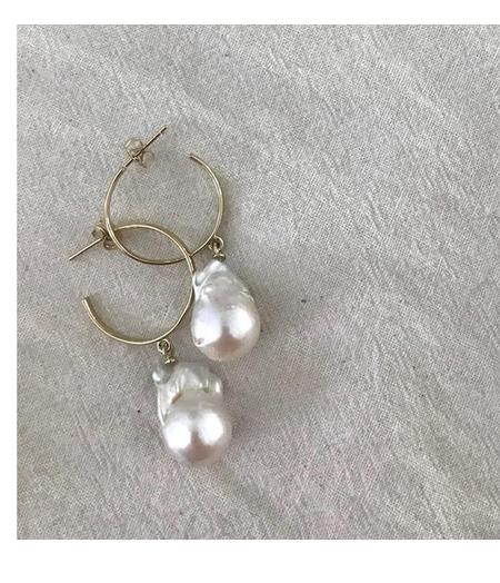 VAYU Baroque Pearl Hoop - Fresh Pearl