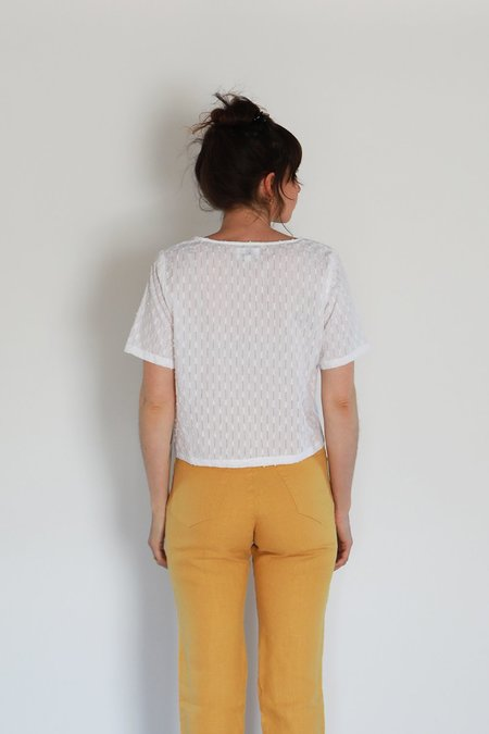 Me & Arrow U NECK TEE - WHITE EYELET