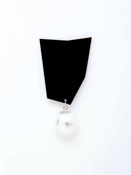 A'N'D Abstract Pearl Earring - Black