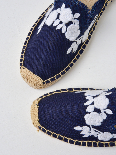 Soludos FRAYED FLORAL MULE - MIDNIGHT BLUE