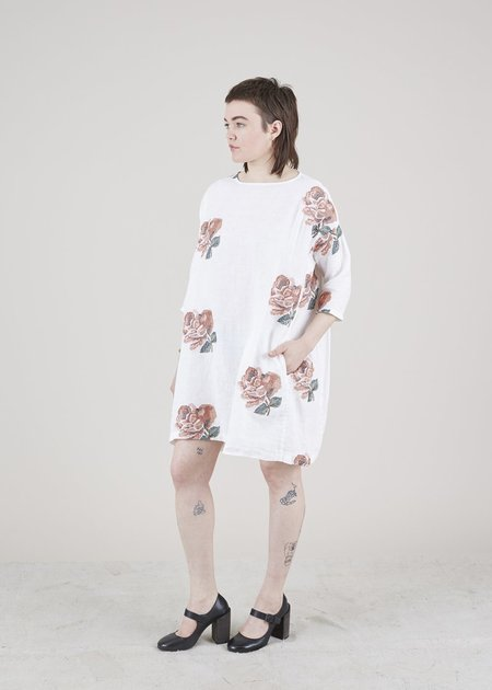 Hannes Roether Tomboy Floral Shift Dress - white/roses