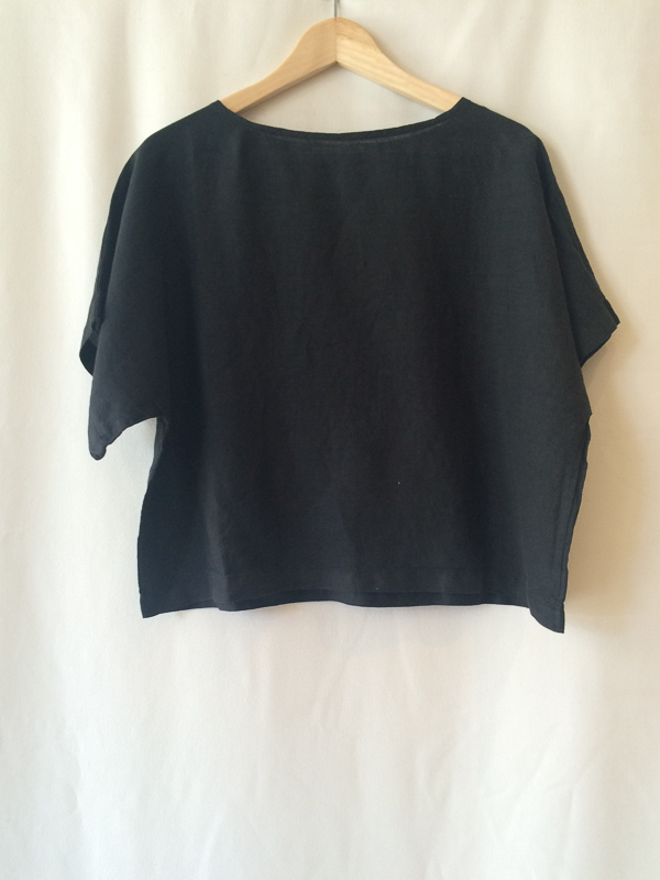 Black Crane Linen Square Top