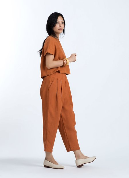 f697caf7df Kaarem Ceiba Relaxed Pleated Cropped Pant with Elastic - Red Sand ...