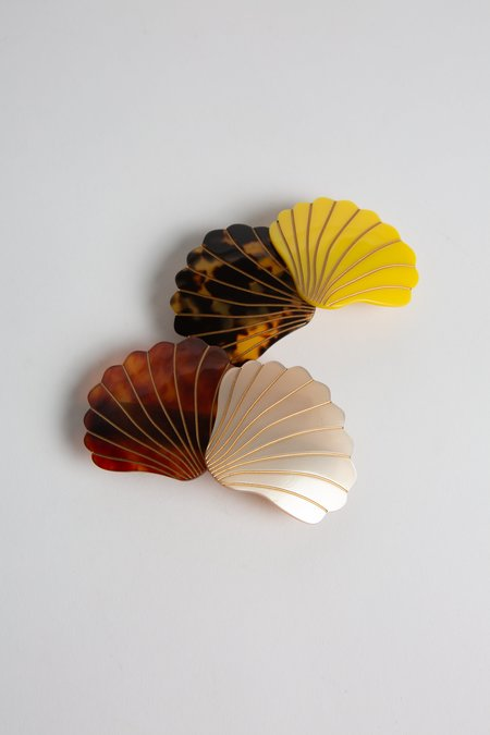 McDavidian Celluloid Shell Barrette