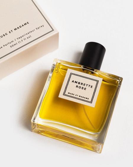 Musc et Madame Ambrette Rose perfume