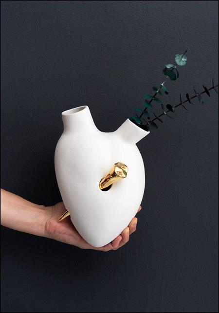 FOS Ceramiche Porcelain Golden Nail Heart Wall Vase - white