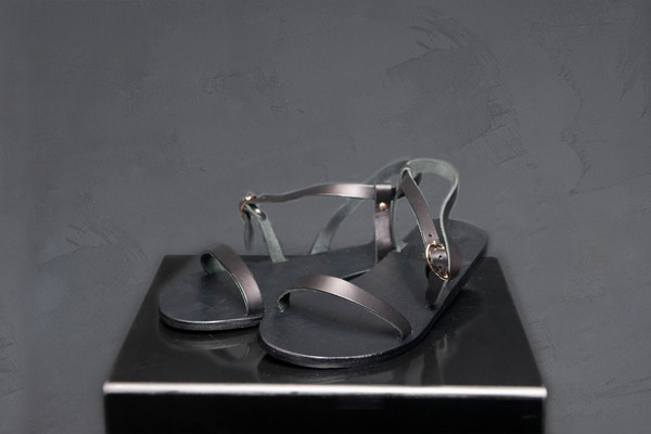 Ancient Greek Minimal Strap Sandal