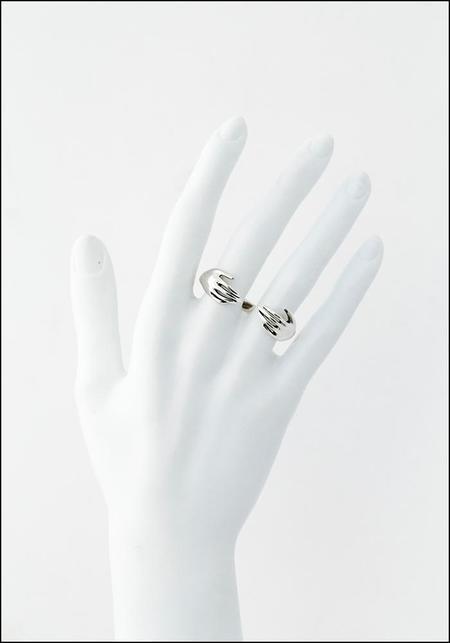 Captve Embrace Double Finger Ring - Silver