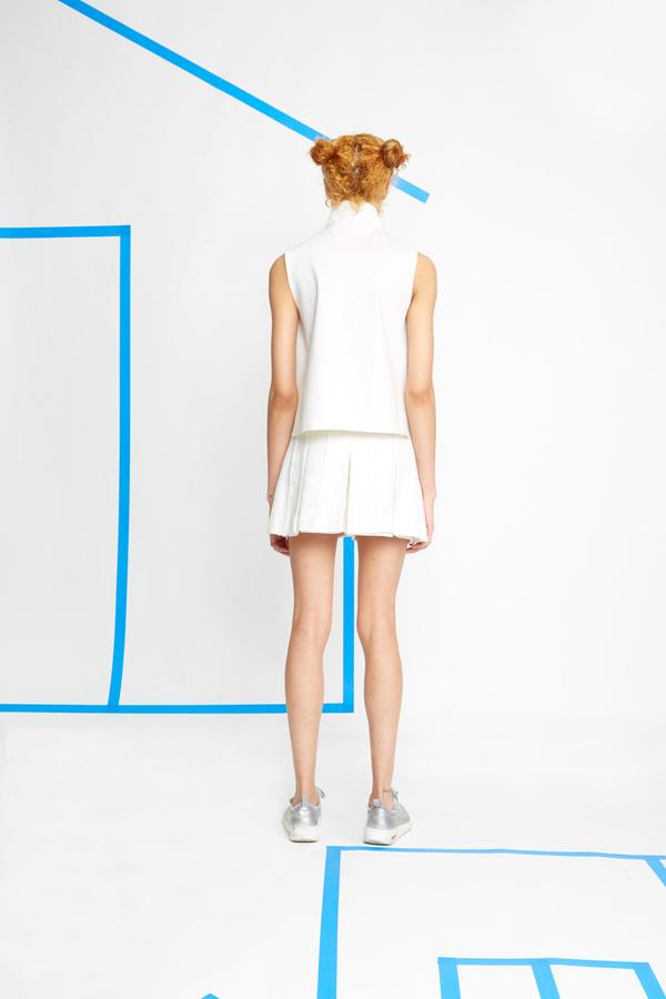 Hagahi Pleated Shorts With Stitch Detailing