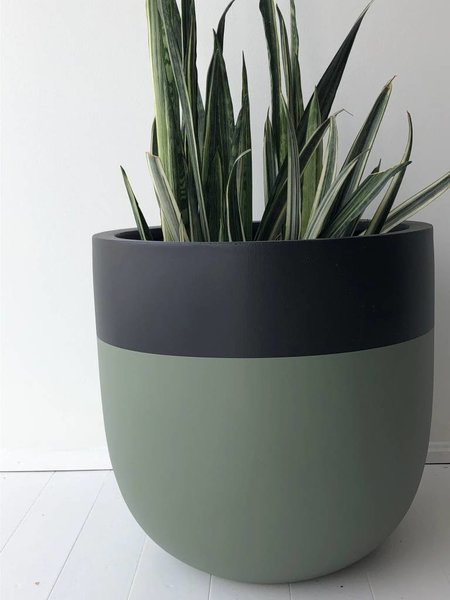 Common House Studio divided large pot